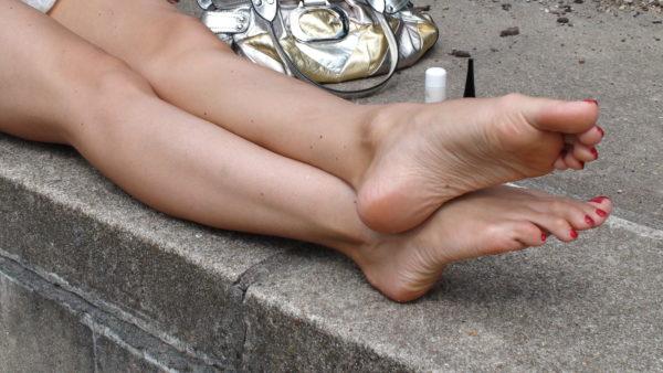Barefoot close-up2