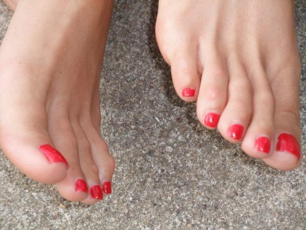 Barefoot close-up1