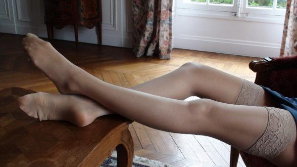 Flesh-colour stockings